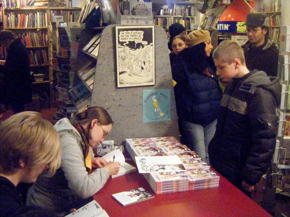 svetlana-signing.jpg
